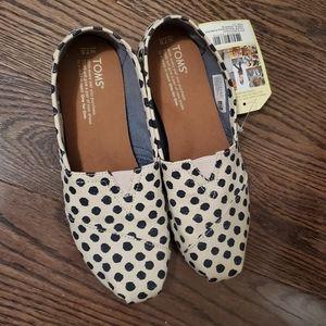 Tom's Classic Polka Dot Flats